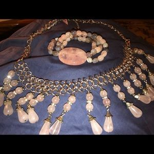Jewelry - Rose quartz necklace